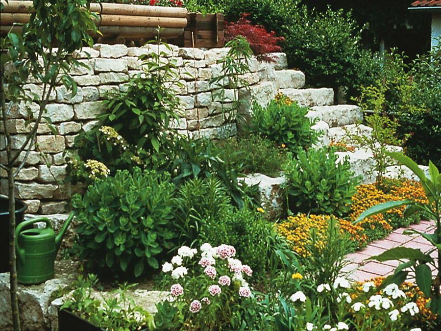 Garten und Landschaftsbau Lässig - Natursteinmauern - Trockenmauern ...