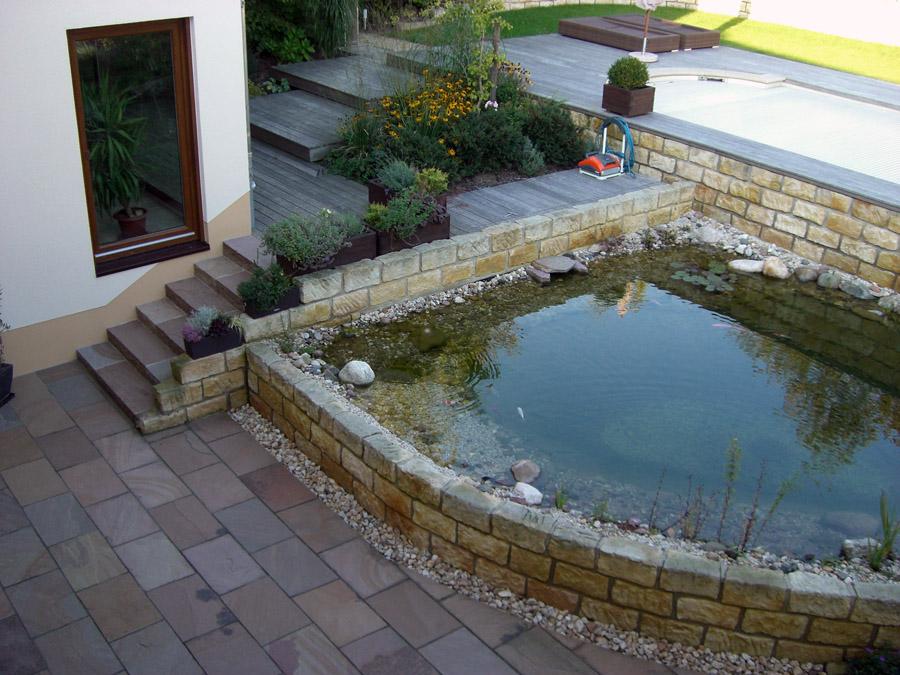 garten und landschaftsbau l ssig wasser im garten pool bachlauf teich. Black Bedroom Furniture Sets. Home Design Ideas